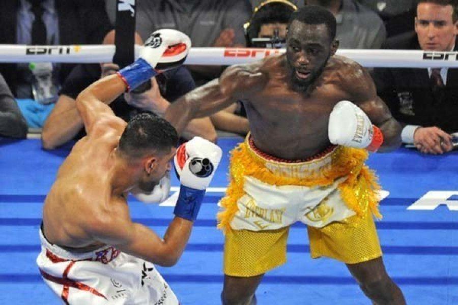 Fájt a lába, feladta a bokszmérkőzést