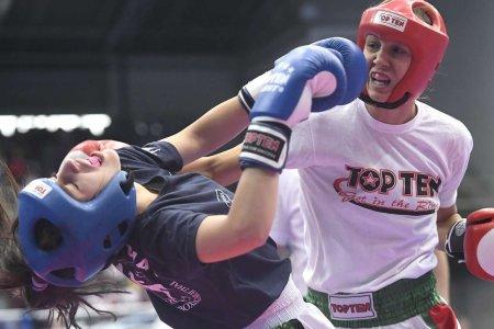 A kick-boxos Busa Gabriella megvédte világbajnoki címét