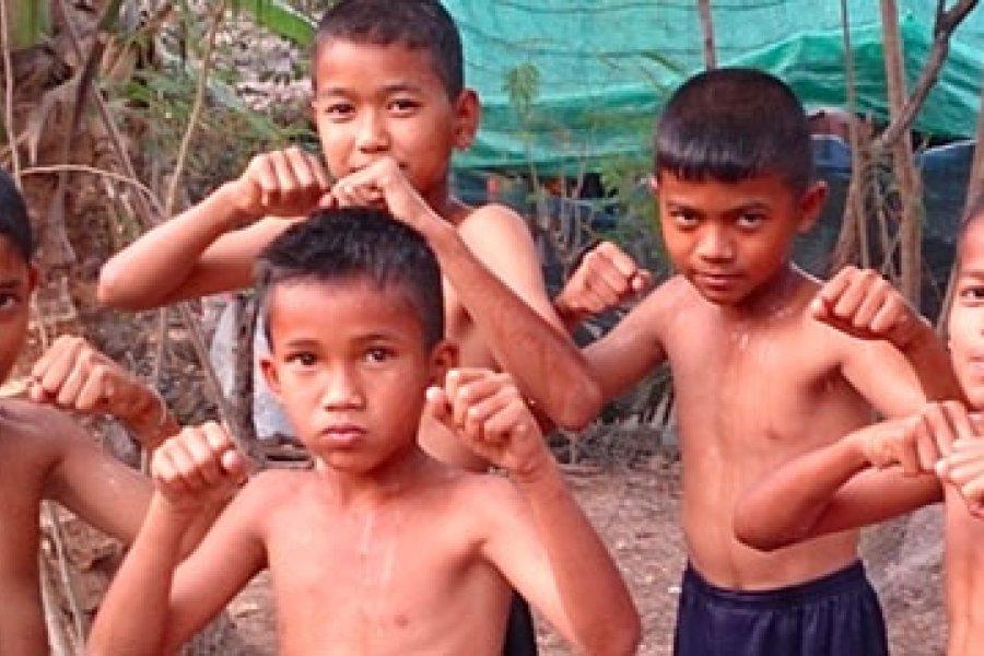 Thai edzőtermek életképe: Egy gym születése: Wor. Watthana