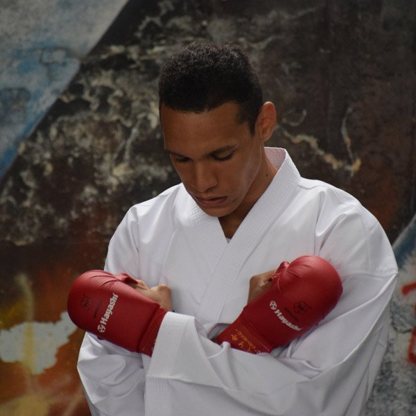 Hobbisportolóból karatebajnok