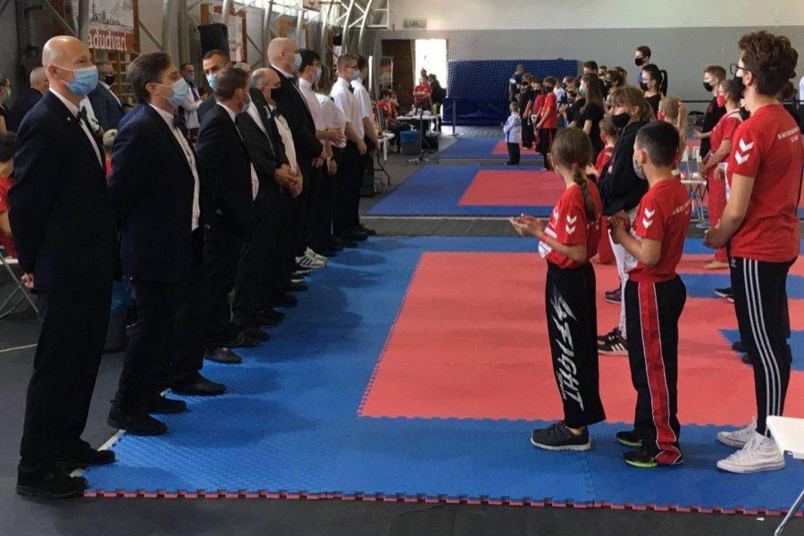 Március után ismét volt hivatalos kick-box verseny