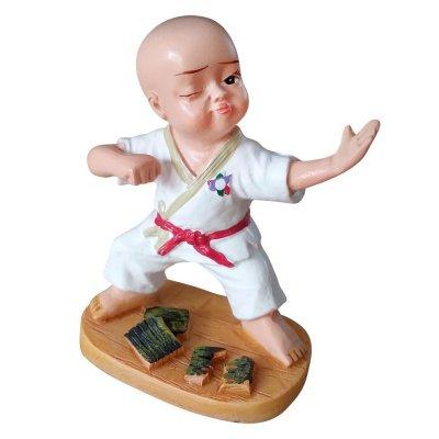 Szobor, Karate baba 4
